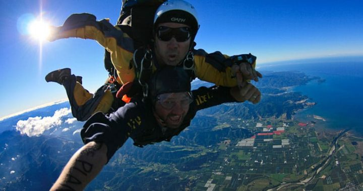 adventures-around-the-world-skydiving